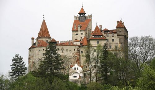 3-photos-culture-livres-Chateau-Dracula-en-Roumanie_articlephoto.jpg